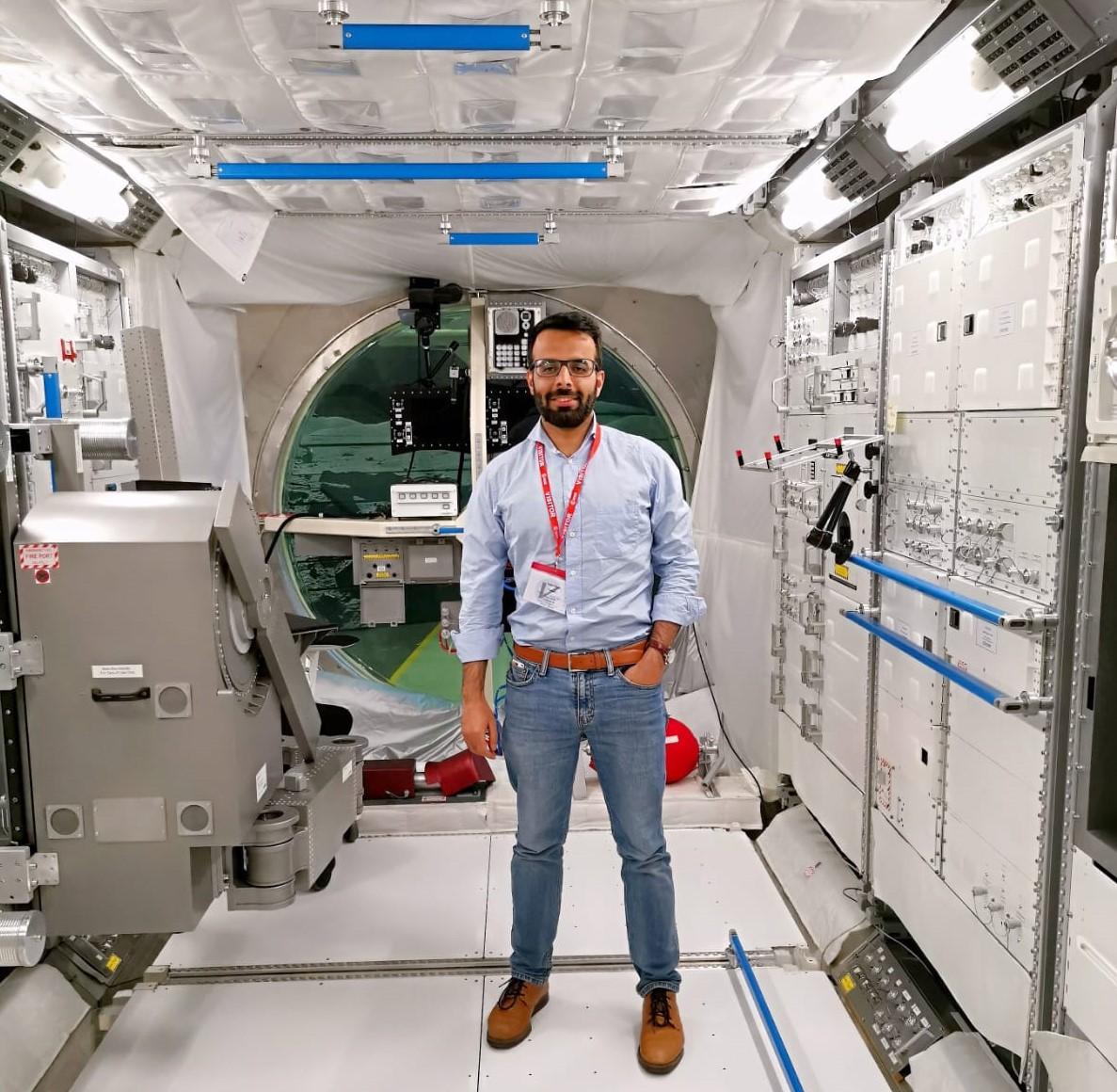 ڈاکٹر یرجان عبدالصمد نے امریکہ کی بہترین یونیورسٹی ایم آئی ٹی سے پی ای چ ڈی مکمل کی۔