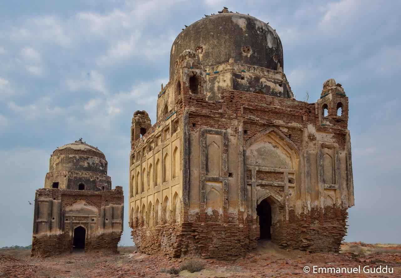 میر پور خاص میں ٹلہ شاہ مندر- مالامال تاریخ کی مٹتی ہوئی نشانی - فوٹو: ایمنوئل گڈو مان سنگھ