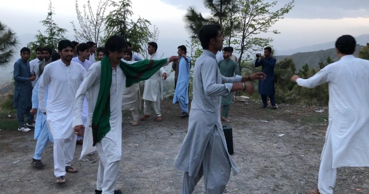 پاکستانی سیاح 'میکے' کا رخ کرنے لگے