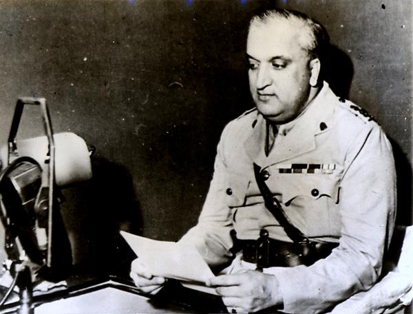 Maharaja_of_Kashmir,_Hari_Singh_(1895_-_1961).jpg