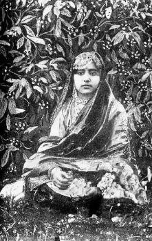Malika_Pukhraj_(1912-2004)_in_1920s.jpg