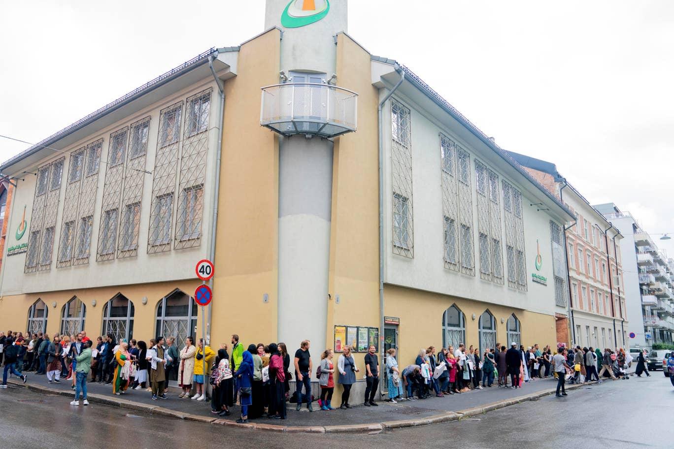Norway-mosque-shooting-4.jpg