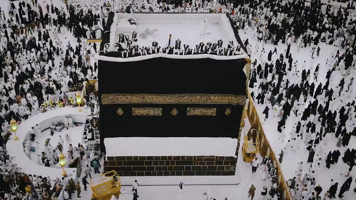 SAUDI_ARABIA_KAABA_SILK_COVER_PREPARATION.00_03_52_00.Still001.jpg